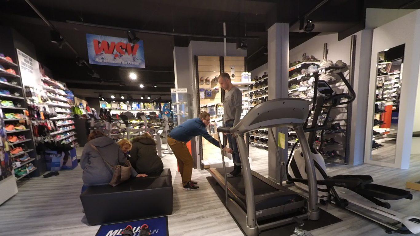 Laufschuh-Beratung - Kontrolle der Beinstellung