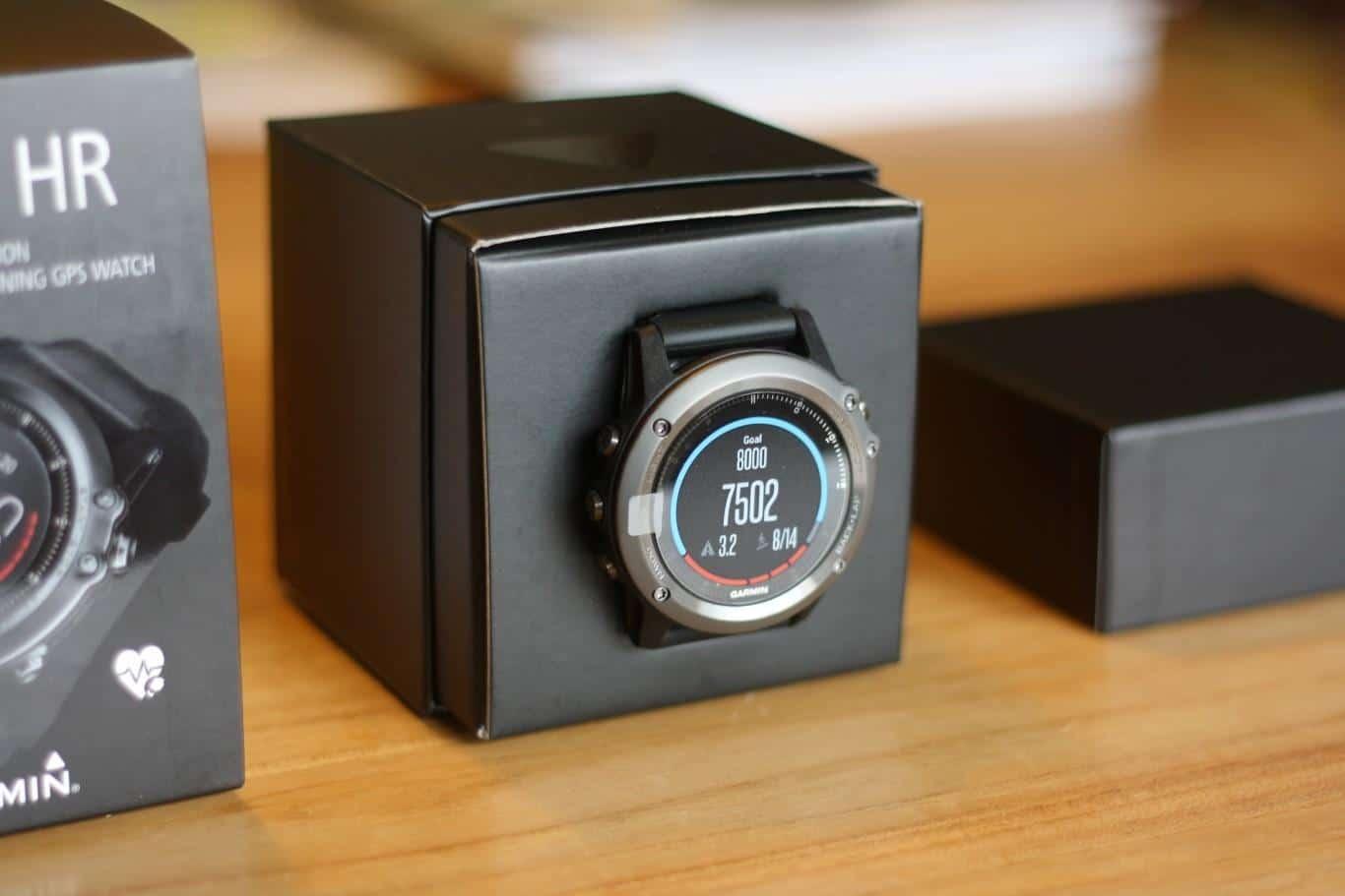 Garmin Fenix 3 HR in der Verpackung