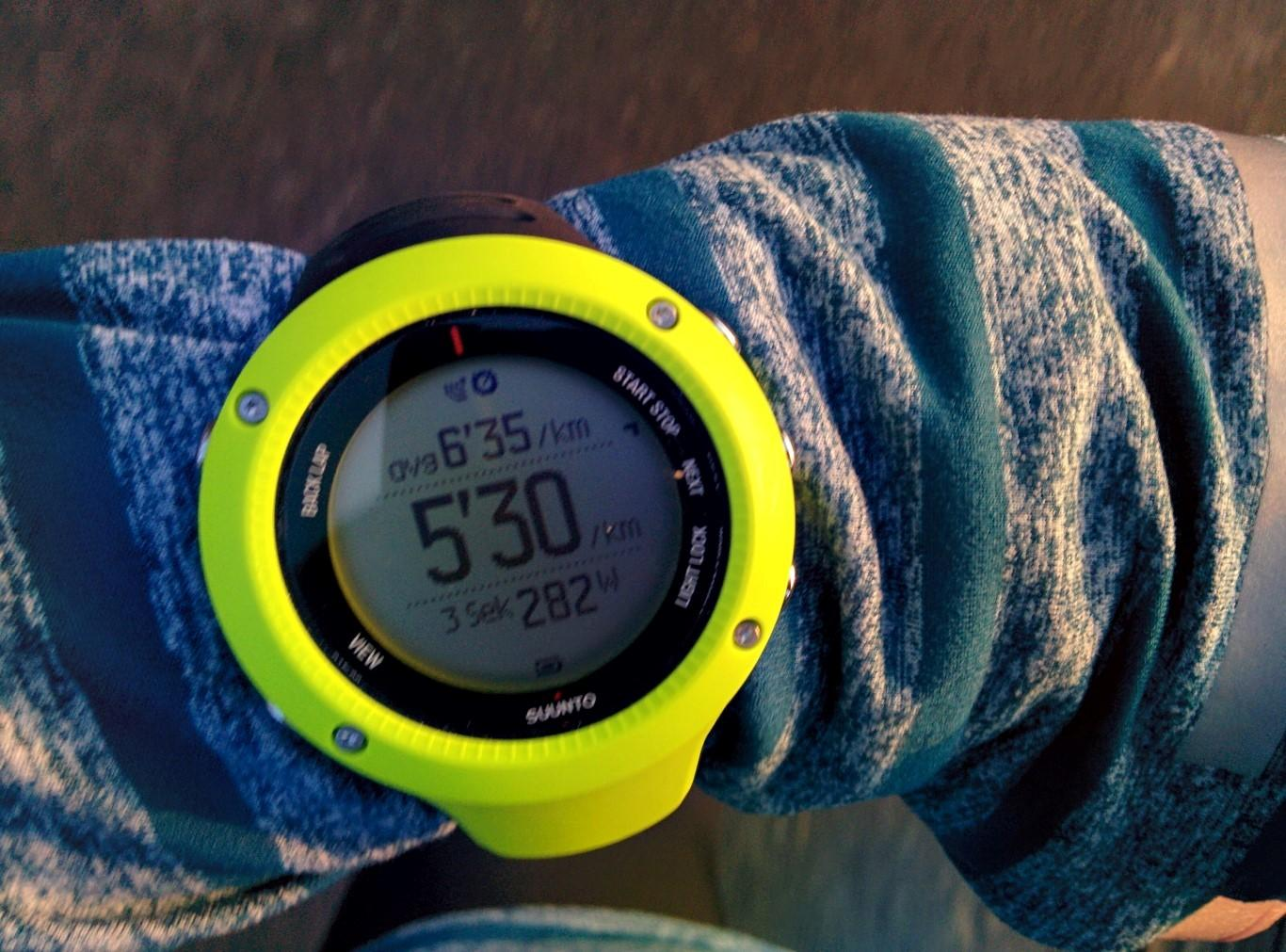 Watt-Anzeige während des Laufs mit der Suunto Ambit3 Run
