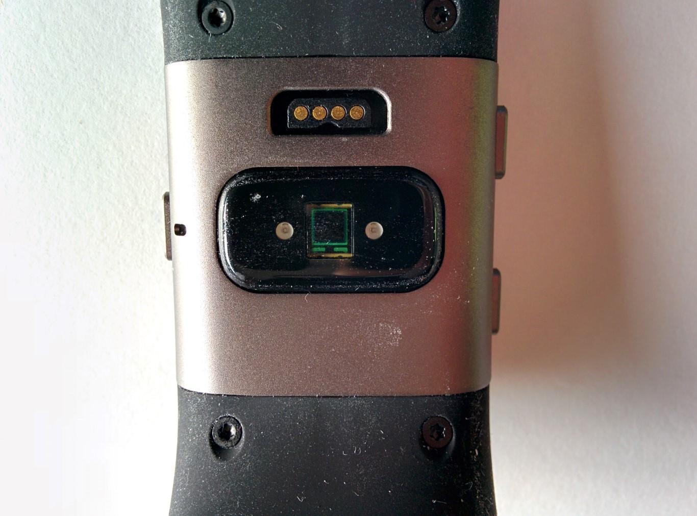 Fitbit Surge - optischer Sensor