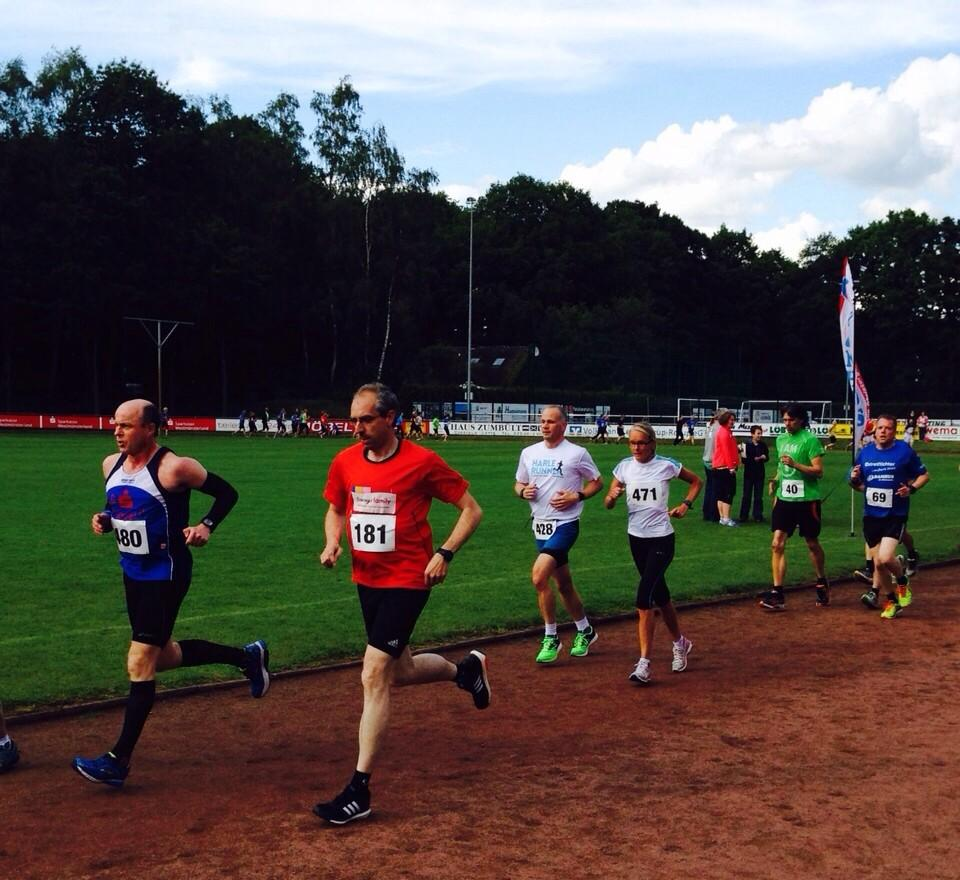 Johannes Lauf Lette 2015 - erste Runde um den Sportplatz