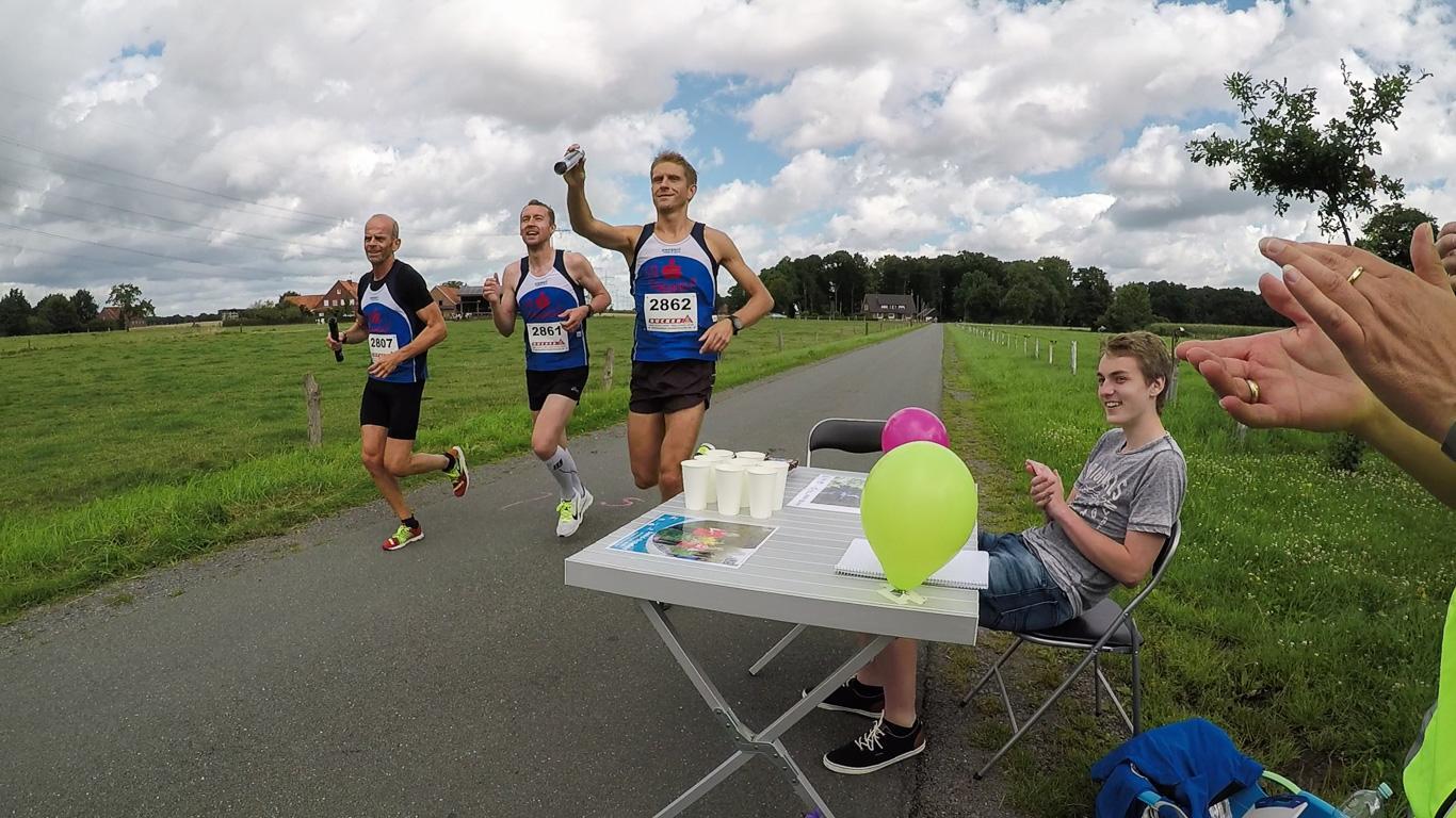 Die schnellsten Läufer am ersten Wechselpunkt