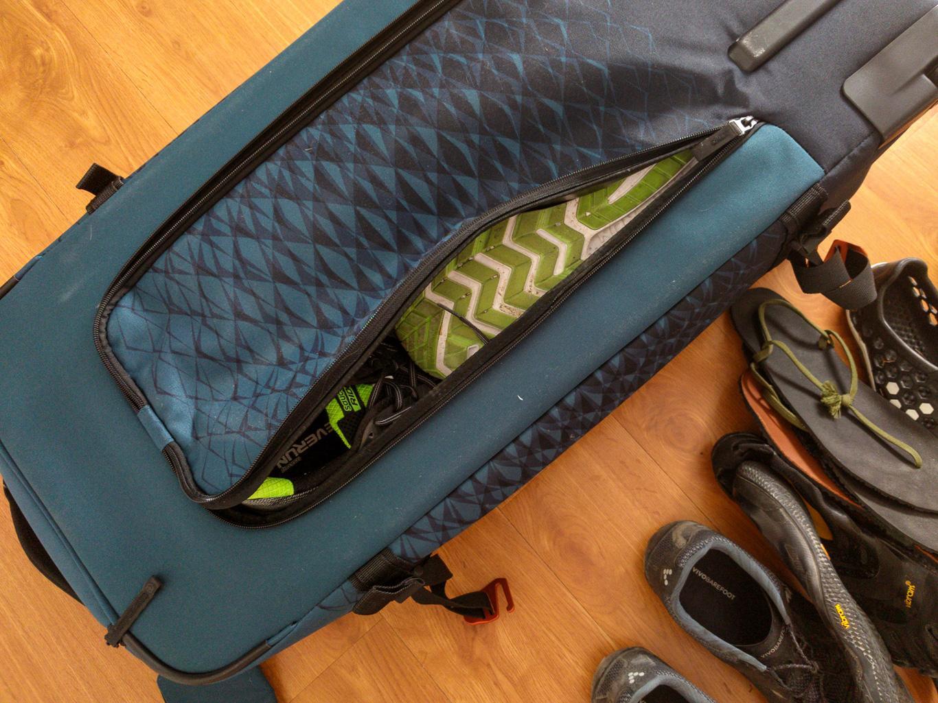 Rückentasche für ca. 2 Paar Laufschuhe