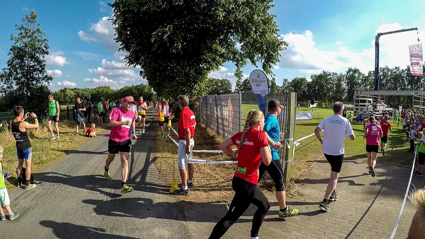 Letzte Kurve für die 3-km-Läufer